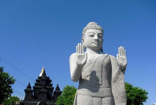 Patung Budha Vihara Gilimanuk Bali Indonesia