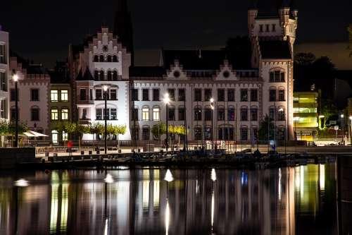 Phoenix Lake City Houses Dortmund Night