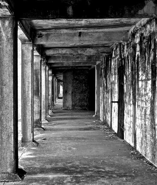 Pier Building Old Decay Black And White