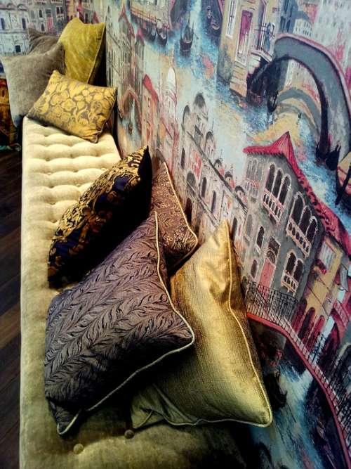 Pillows Bank Wallpaper Gold