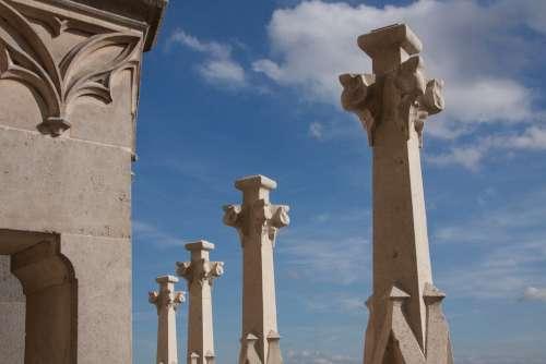 Pinnacles New Renewed Italian Foglia Leaf Needle