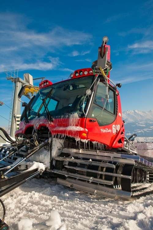 Pistenbully Runway Maintenance Vehicles Snow Groomer