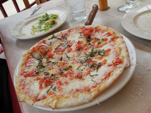 Pizza Margarite Cafe Lunch Tomato Sauce Cheese