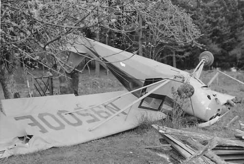 Plane Crash Accident Bad Landing Airplane Wreck