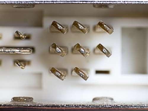 Plug Hdi Metal Contacts Macro