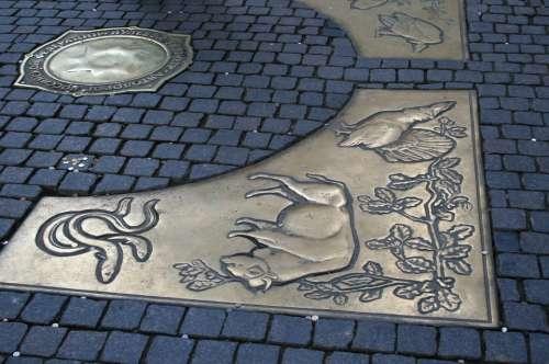 Point Of Zero Kilometer Bronze Plates Symbols Bull