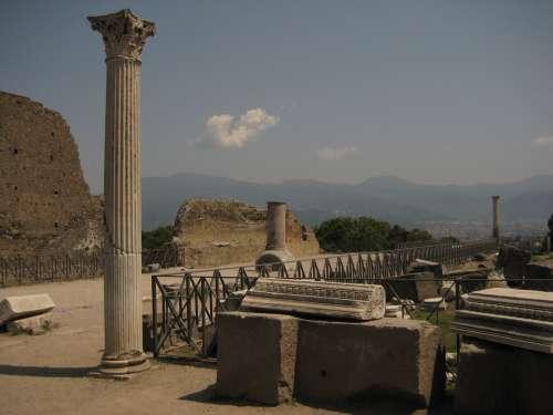 Pompeii Columnar Statue Naples Antique Decay