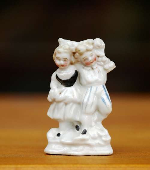 Porcelain Figurine Figure Porcelain Antique Couple