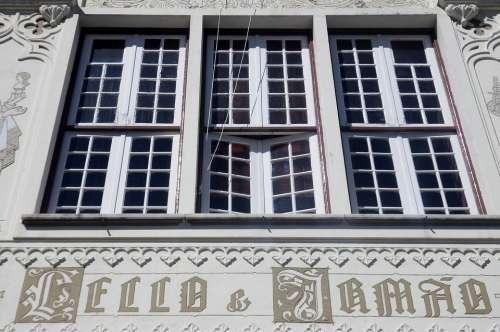Porto Bookstore Lello Portugal Facade