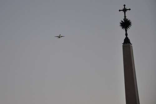 Portugal Lisbona The Plane Sky Cross Monument