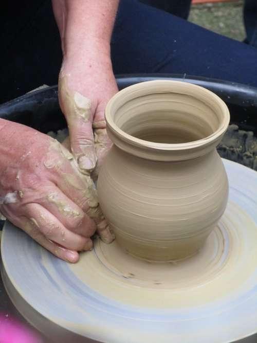 Pottery Potter'S Wheel Crock