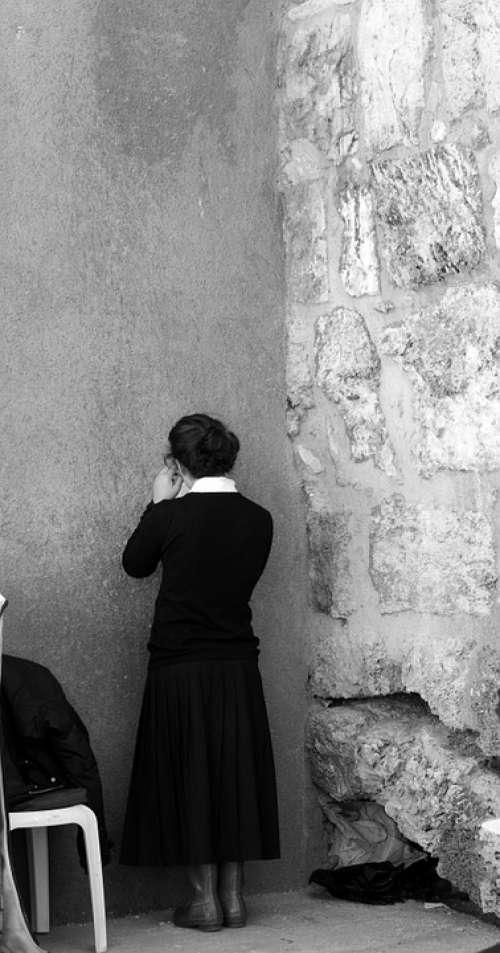 Prey Jerusalem Close-Up The Wailing Wall Girl