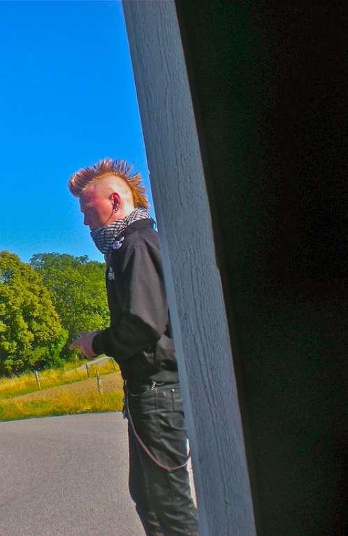 Punk Hair Haircut Bus Shelter Järna Sörmland
