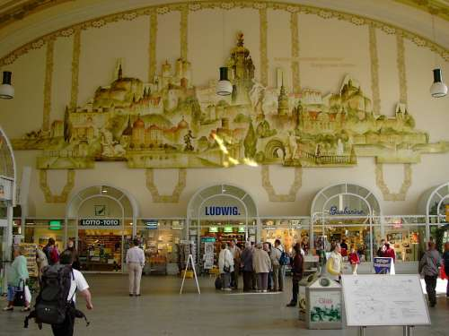 Railway Station Dresden Neustadt Hall