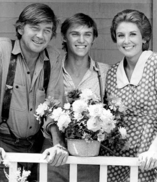 Ralph Waite Richard Thomas Michael Learned Actors