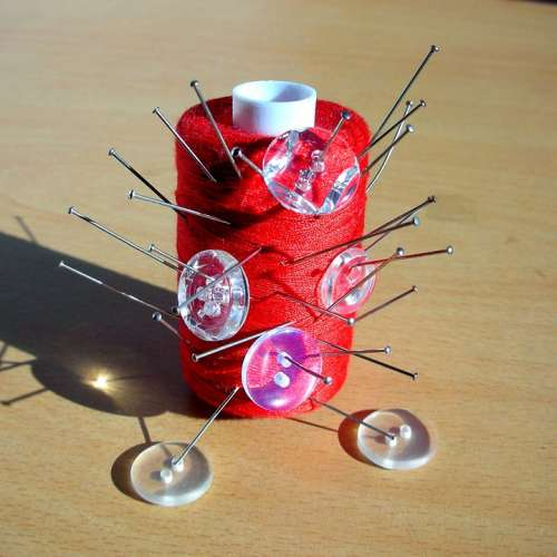 Red Thread Coil Needles Pins Transparent Buttons