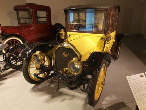 Regal Model Coupe 1912 Car Automobile Engine