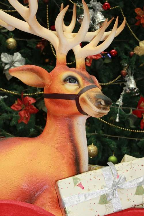Reindeer Christmas Decoration Tree Gifts Xmas