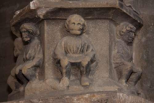 Relief Pillar Gothic Men Weathered