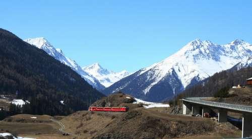 Rhaetian Train Locomotive Traffic Gleise Rails