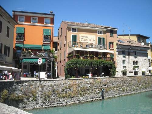 Riva Promenade Italy Garda Houses Lakeside
