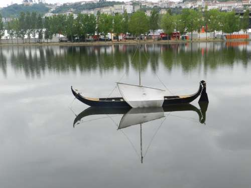 River Boat Mirroring