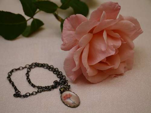 Rose Flower Necklace Ornament Imitation Jewelry