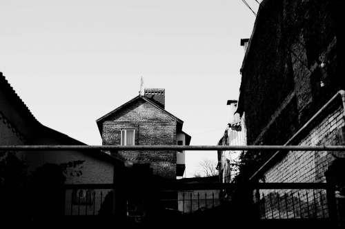 Rostov Na Donu Street House Bw
