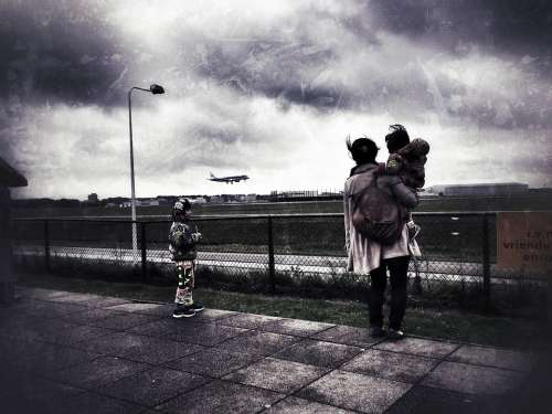 Schiphol Airport Airline Mother Children Plane