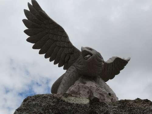 Sculpture Adler Flying