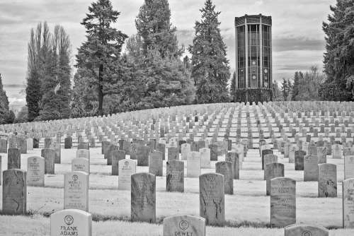 Seattle Cemetery Military Washelli Graves Chimes