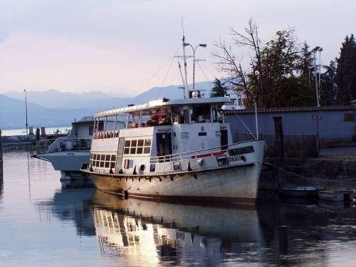 Ship Motor Vessel Navigation Rust Ships Porto