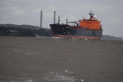 Ship Freighter Frachtschiff Port Elbe Water