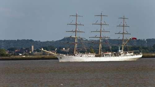 Ship Polish Dar Mlodiezy Sail Training