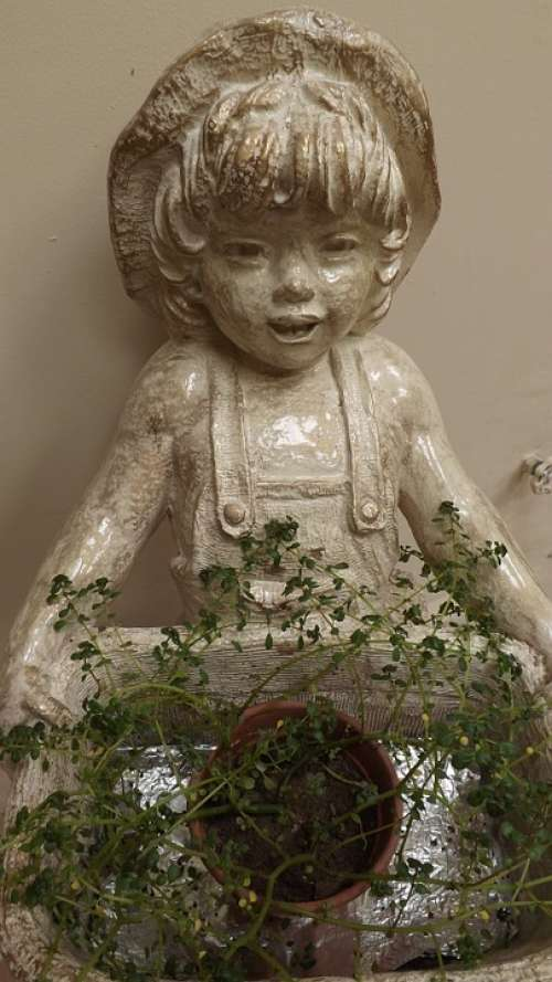 Statue Figure Sculpture Face Child Girl Field