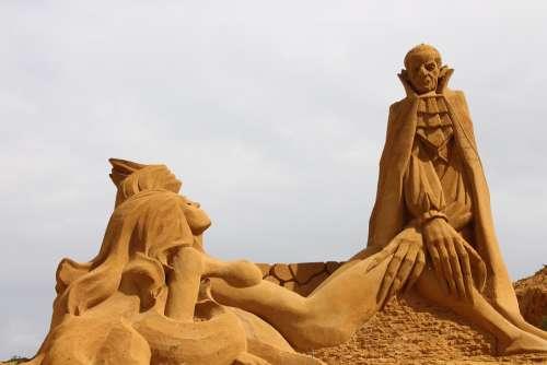 Statue Sand Statue Of Dog Dracula