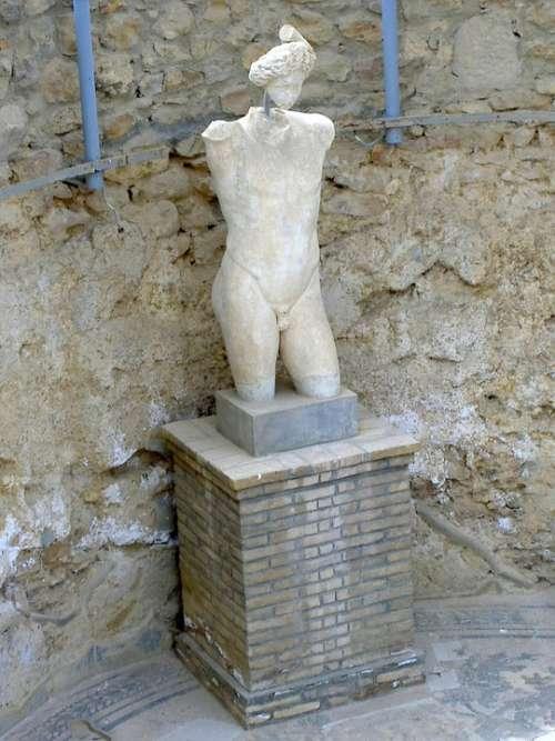 Statue Sculpture Figure Piazza Armerina