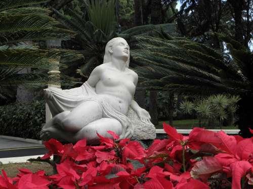 Statue Red Dedication