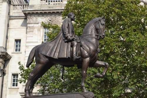 Statue Equestrian London Earl Haig