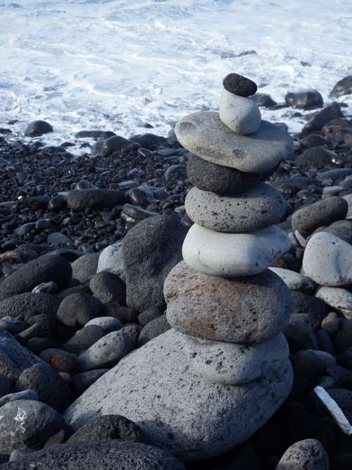 Stone Tower Balance Recovery Entspannng Beach