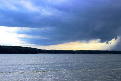 Storm Clouds Lake Weather Gloomy Rain Plauer See