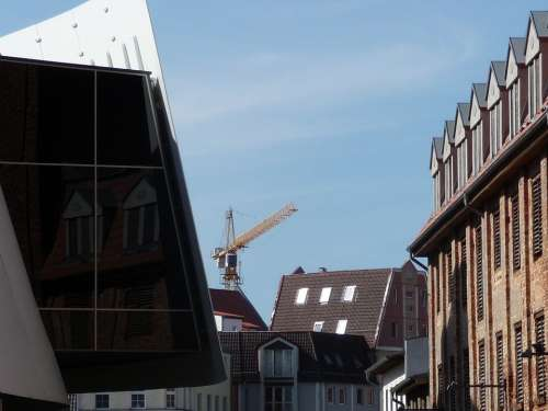 Stralsund Architecture House Window Reflect Crane