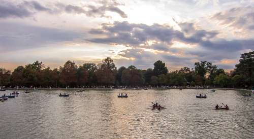 Sunset Pond Madrid Boats Trees Garden Autumn