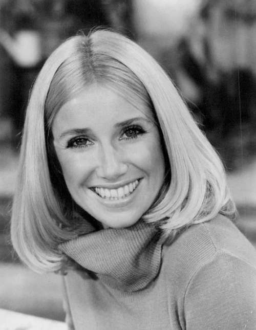 Suzanne Somers Actress Author Singer Entrepreneur