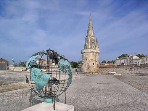 The Rochelle Sculpture Globe