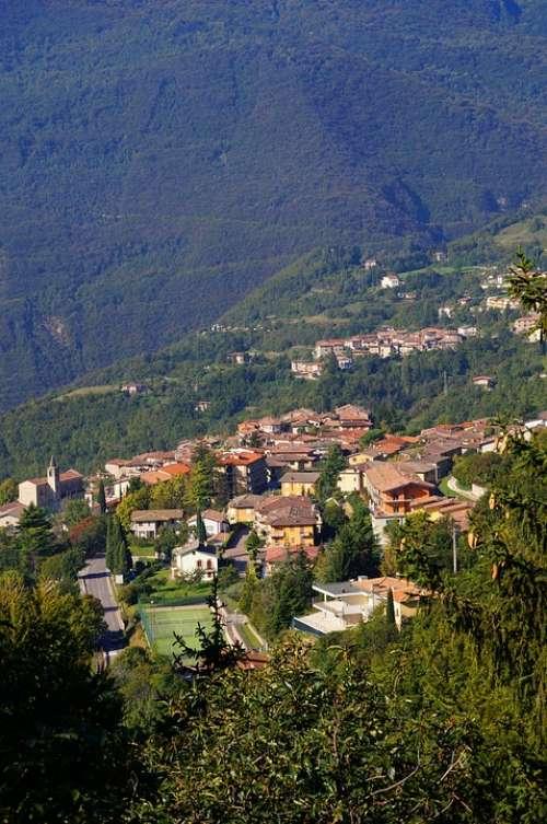 Tignale Garda Italy West Bank Mountain Views
