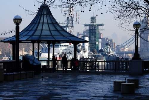 Tower Bridge London Battleships Harbour Thames