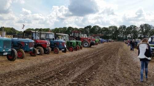Tractors Tractor Trek Meet Vehicles Tractor Meet