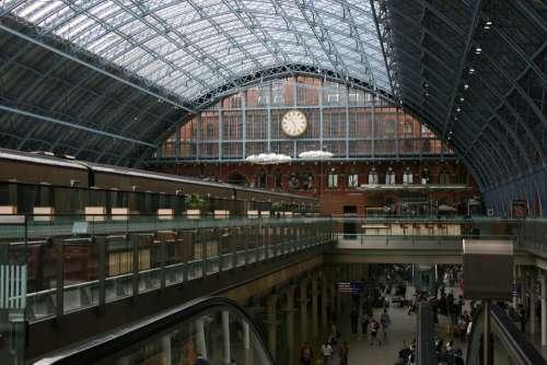 Train Station Watch Saint Pancras Station London