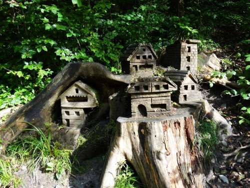 Tree Trunk Woodhouse Treehouse Art Carving Carved